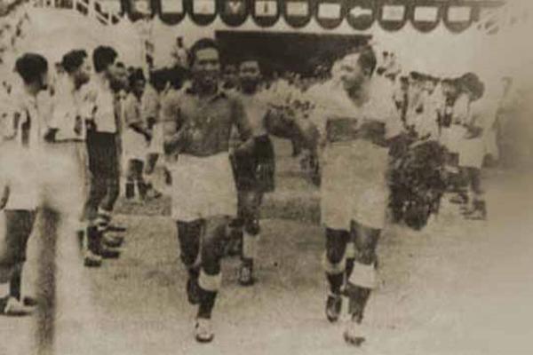 Pertandingan PSMS vs Persija, Guard of Honour Pertama di Indonesia - iMSPORT.TV