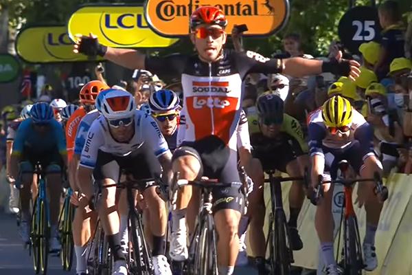 Caleb Ewan Juarai Etape III Tour de France - iMSPORT