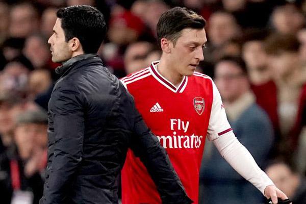 Ozil Setuju Hengkang asalkan Arsenal Bayar Gaji Hingga 2023 - iMSPORT.TV