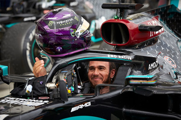 Meski dikontrak Setahun, Lewis Hamilton punya Gaji Paling Tinggi - iMSPORT.TV