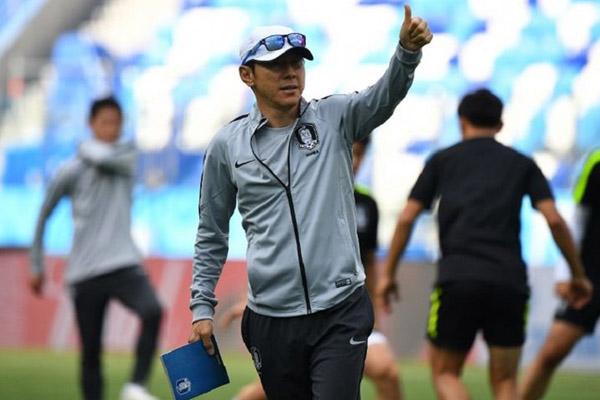 Shin Tae-yong berharap Liga 1 dan Liga 2 Cepat Mendapat Kepastian - iMSPORT.TV