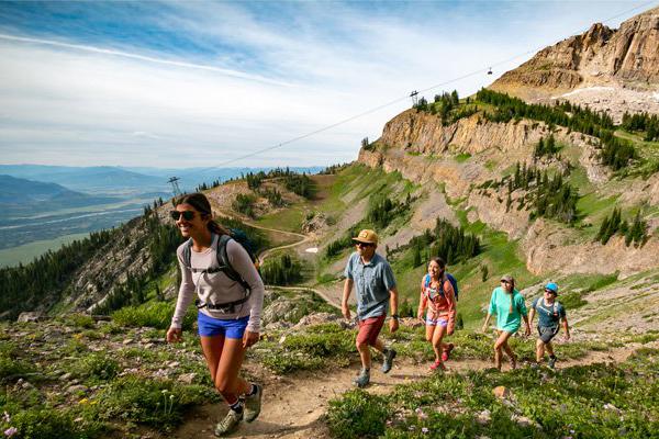 Tren olahraga Naik Gunung Hiking 2021 - iMSPORT.TV