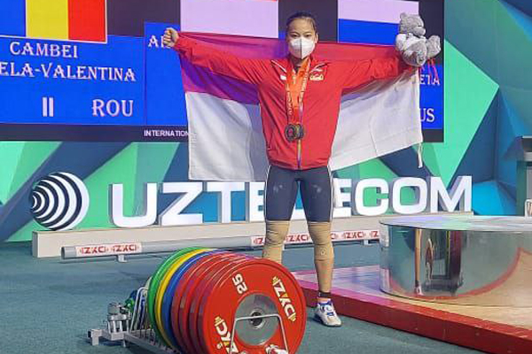Lifter Putri Indonesia Windy Cantika Aisah Raih Emas Kejuaraan Dunia Angkat Besi Junior 2021 - iMSPORT.TV
